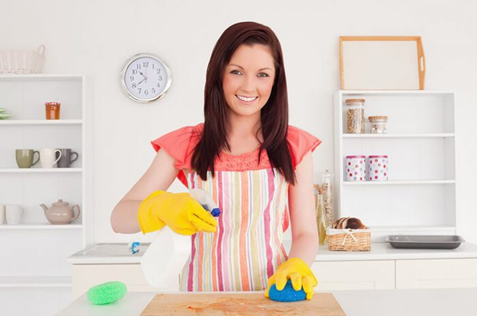 ahşap kesme tahtası nasıl temizlenir