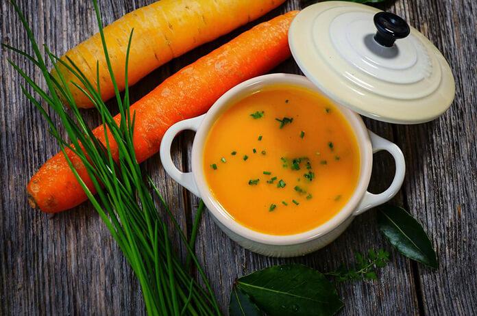 taze baharatlı havuç çorbası
