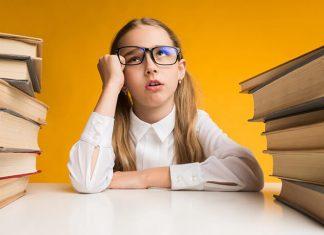 okuma ve yazma sevmeyen çocuk